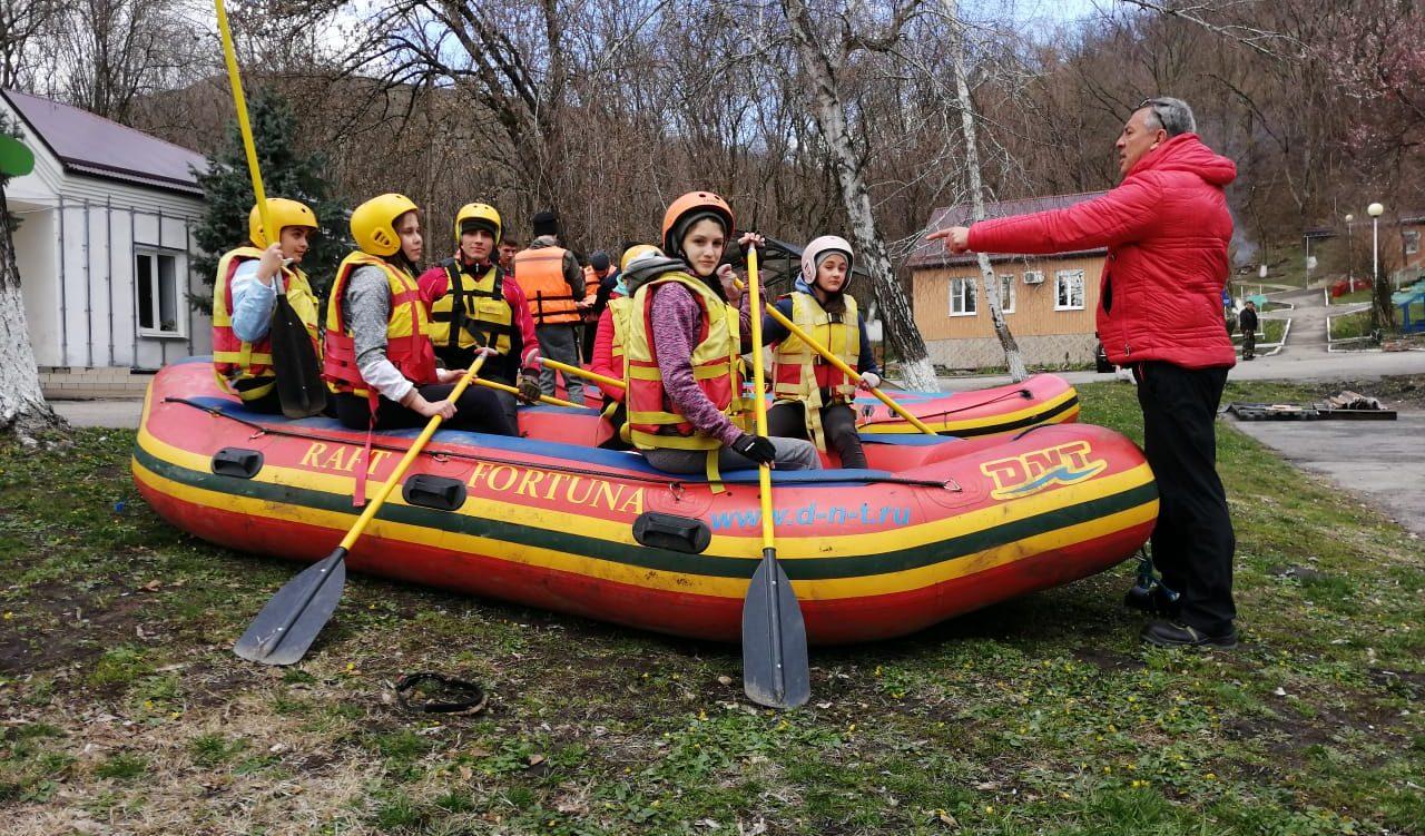 В Лабинском районе 130 молодых людей получат первоначальные навыки по водным видам спорта рафтинг и водный туризм