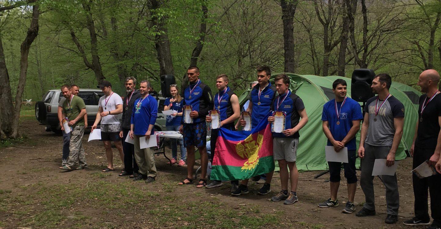 Река Белая и наши парни из команды «Траектория»